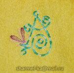 Махровый халатик с вышивкой для девочки