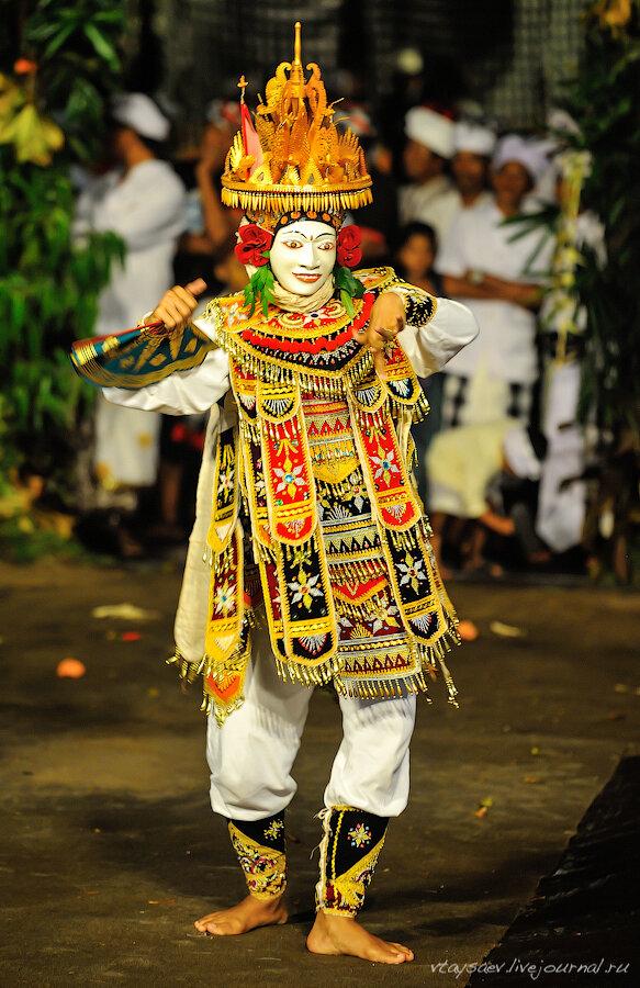 Чалонг Аранг - балийская драма