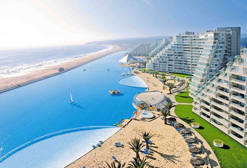 Į baseiną telpa 250 milijonų litrų vandens.