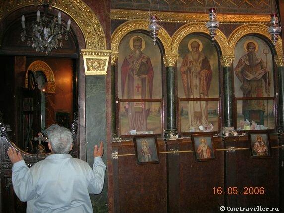 Иконостас левого придела храма вмч. Георгия Победоносца в Каире