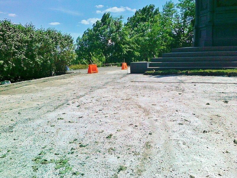 Укрепление площадки вокруг памятника Владимиру Крестителю