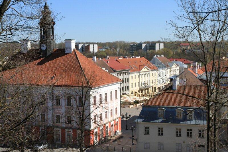 Эстония, Тарту, вид на Ратушную площадь