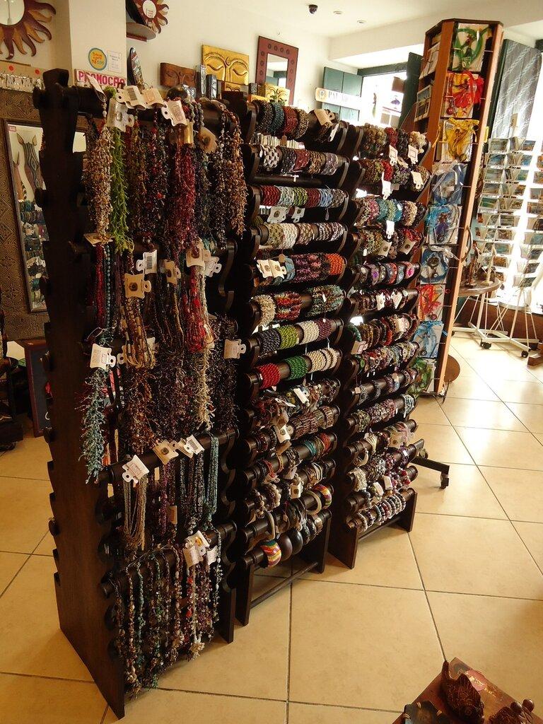 Магазин бисерных изделий в Салвадоре.
