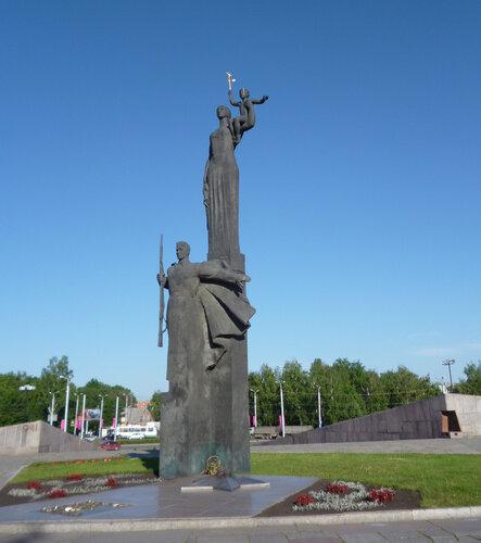 Памятник Победы в Пензе, фото с сайта penzalife.info