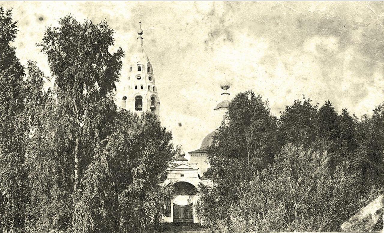 Окрестности Галича. Космодамианская церковь