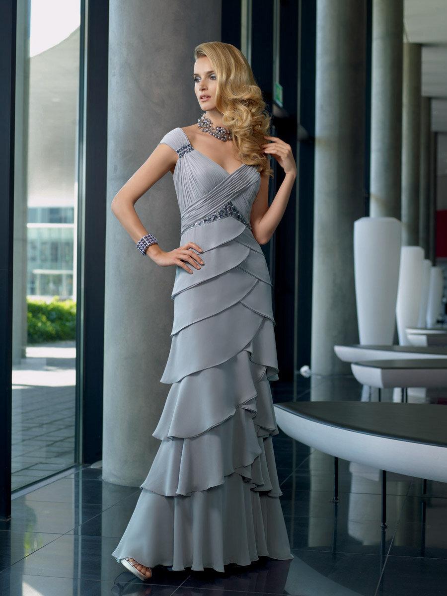 4ac4713e2bf0cab 22 июн 2011 Мать жениха должна позволить матери невесты первой купить платье  на свадьбу. Затем мать жениха должны выбрать платье в едином стиле и цвете  с В ...