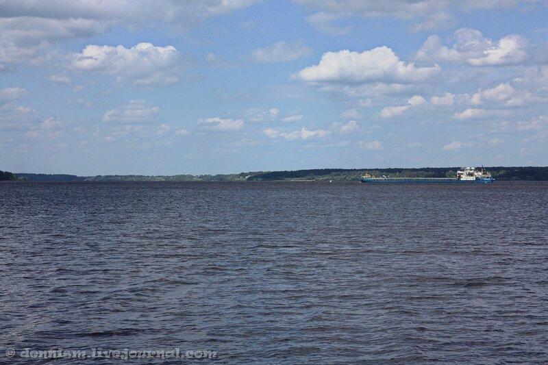 24. Волга в Калязине.