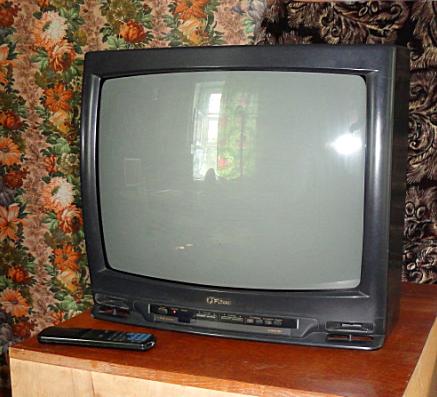 Фотографии.  Продам телевизор FUNAI TV 2000A-MK8.  Калтан.
