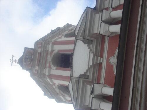 Тихвинская надвратная церковь (1713—1714) и колокольня 1753г.