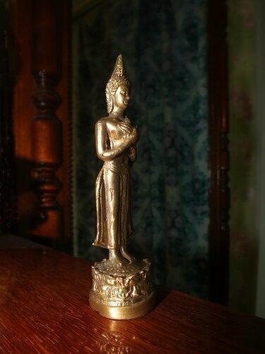 "«Трофеи ""дикаря». Сувениры Камбоджи и Таиланда."
