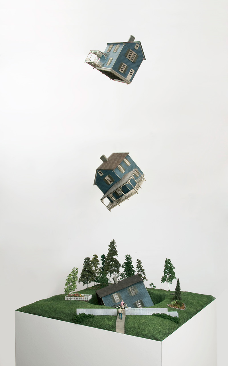 Миниатюрные сюрреалистические диорамы (7 фото)