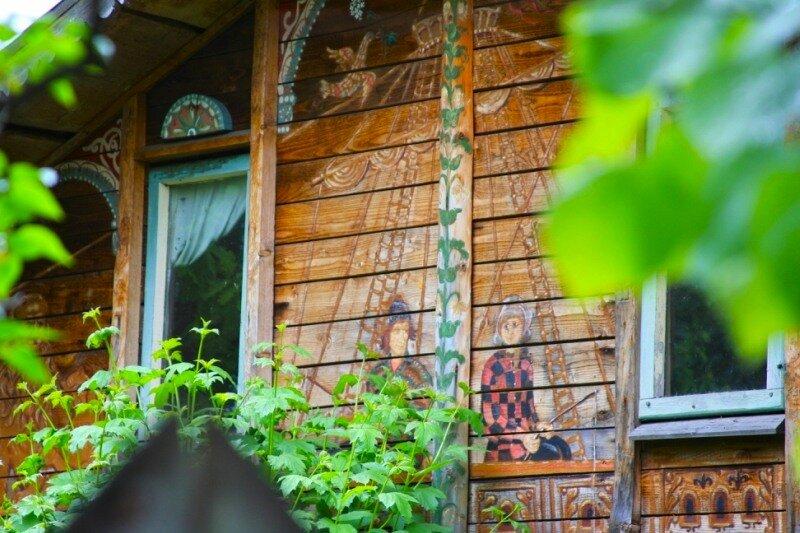 наивная живопись на фасаде