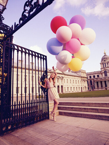 Фотосессия девушка с шарами