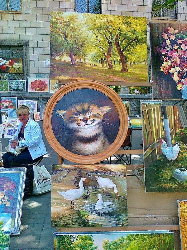 Выставка картин на Владимирской