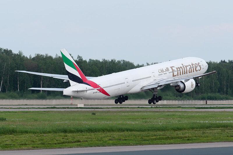 Boeing 777-31HER (A6-EBK) Emirates DSC0449