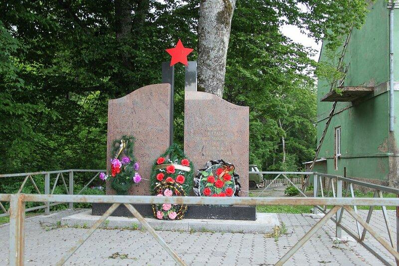 памятник в Говорово