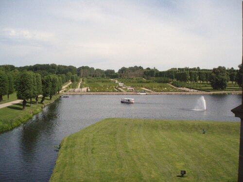 Вид из Замка на озеро и парк