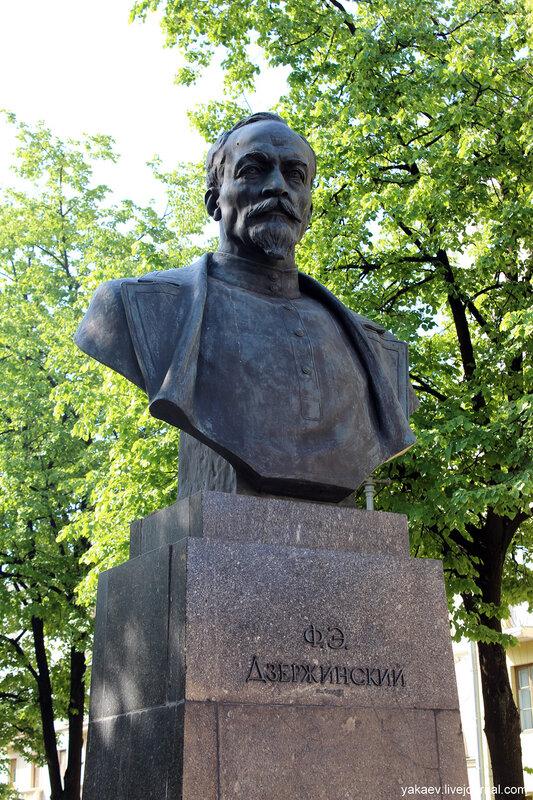 Картинки по запросу фото памятник Дзержинскому в Минске