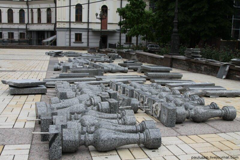 Во что превращается территория вокруг храмов (23 фото)