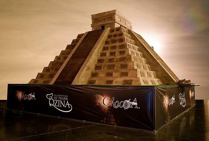 Самая большая шоколадная скульптура в мире