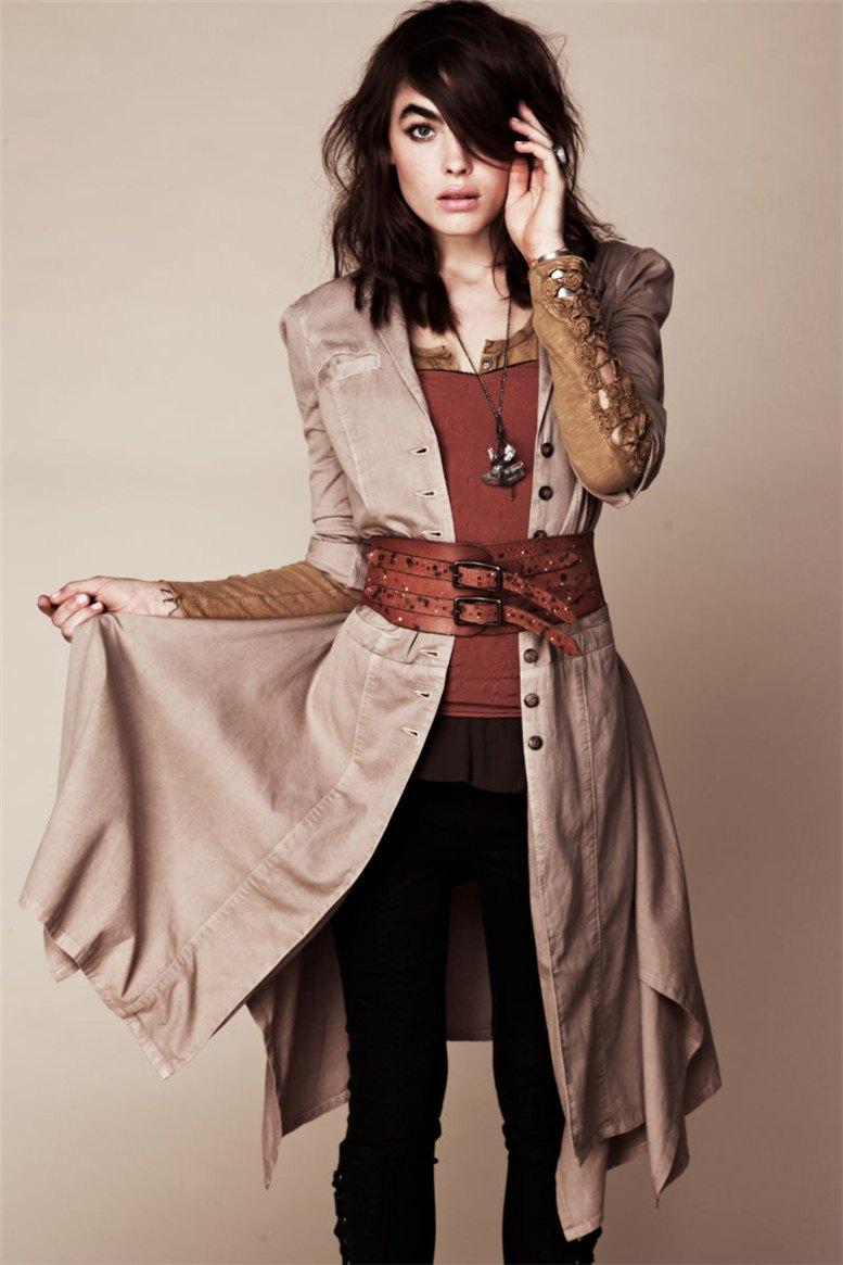 Bambi Northwood-Blyth / Бэмби Нортвуд-Блис в каталоге одежды Free People, июль 2011