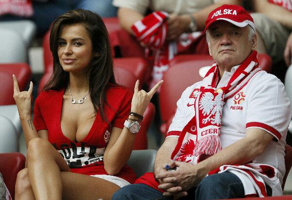 Самые красивые фанатки на Евро-2012