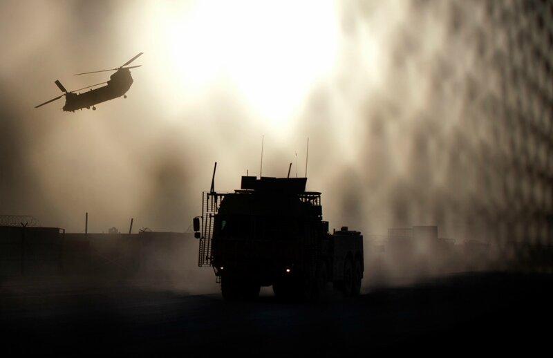 Afghanistan.<br />En britisk Chinook-helikopter letter fra Camp bastion, Helmand