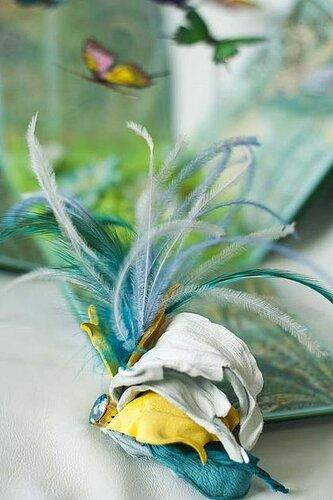 Цветы, птицы, бабочки - для декора вашего интерьера.  Натуральная кожа, стразы Сваровски, бисер.