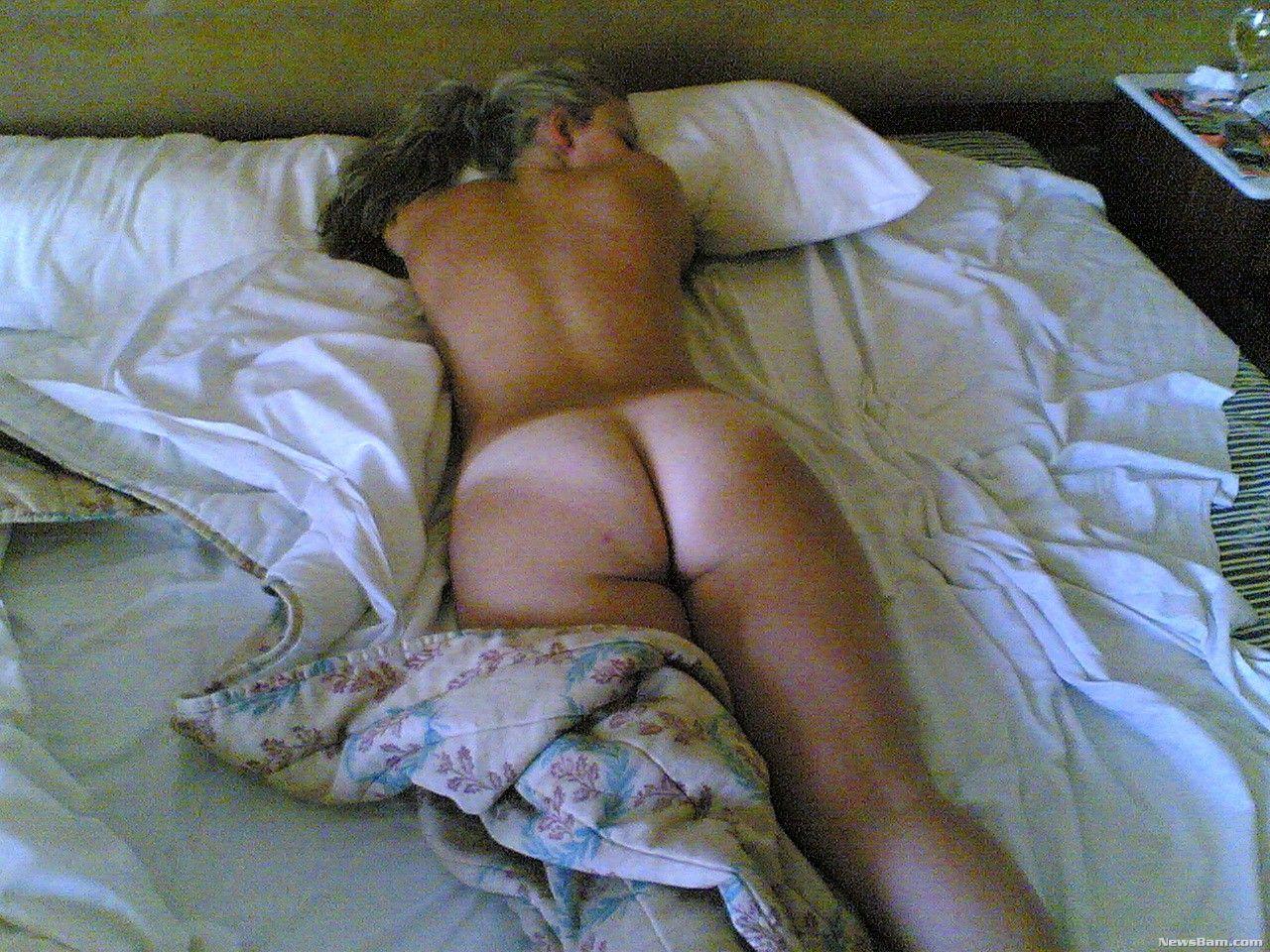 Спящую женщину подглядывал 6 фотография