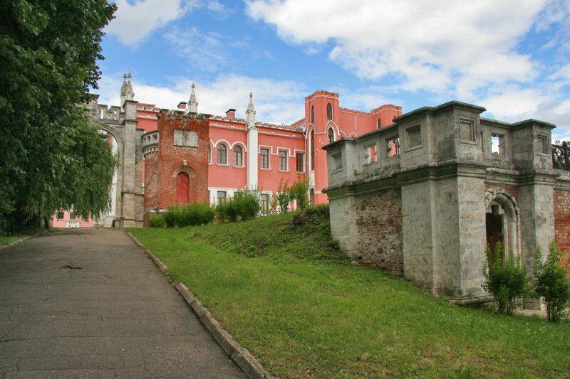 Усадьба Марфино, Въездные ворота, усадебный дом, партер