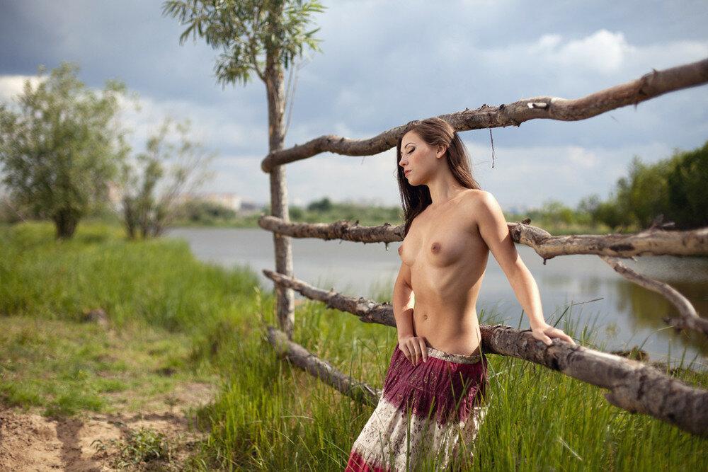 Голые эротические фотосессии украина волосатых мамочек девушка