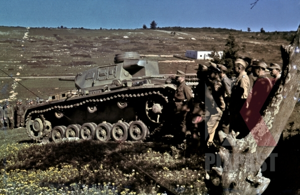 stock-photo-german-afrika-korp-panzer-3-in-parade-south-of-tunis-tunisia-1943-12540.jpg