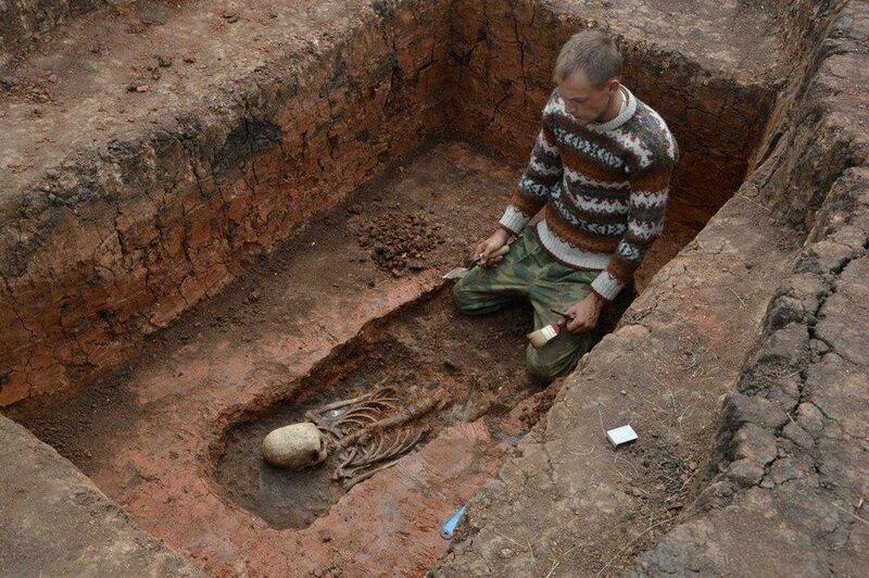 arxeologi-ryadom-s-arkaimom-nashli-zagadochnyj-skelet_001.jpg
