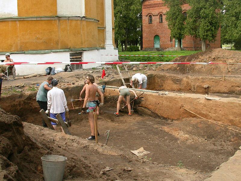 Excavations_Uglich.jpg