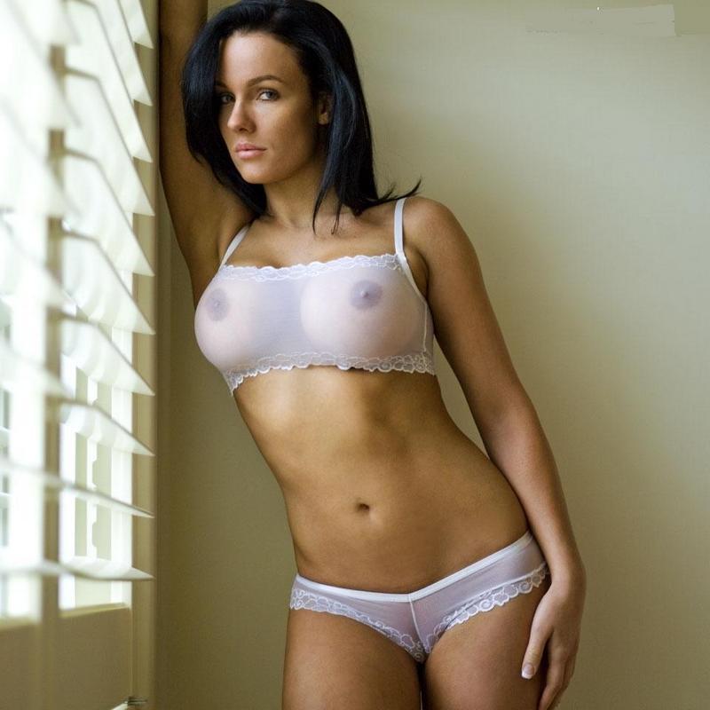 Сексуальные девушки в просвечивающейся одежде
