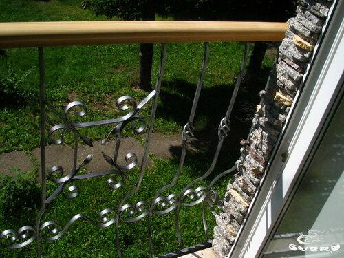 014. окно в пол, ограждение французкого балкона, камень натуральный на наружных откосах окна