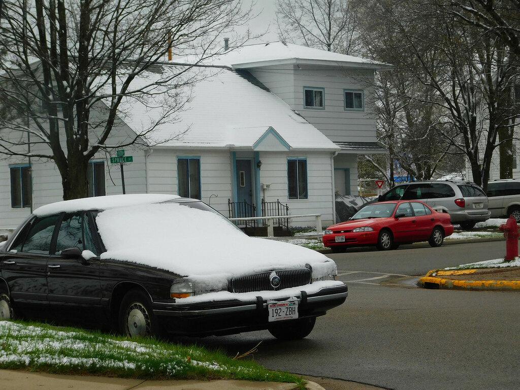 Снег в конце апреля