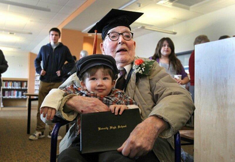 Американец окончил школу в возрасте 106 лет