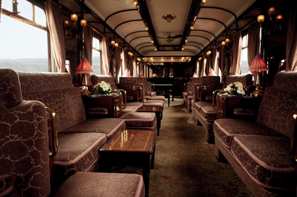 © pinterest.com  В1977году, когда поезд уже сняли срельсов, вагоны выкупил Джеймс Шервуд и