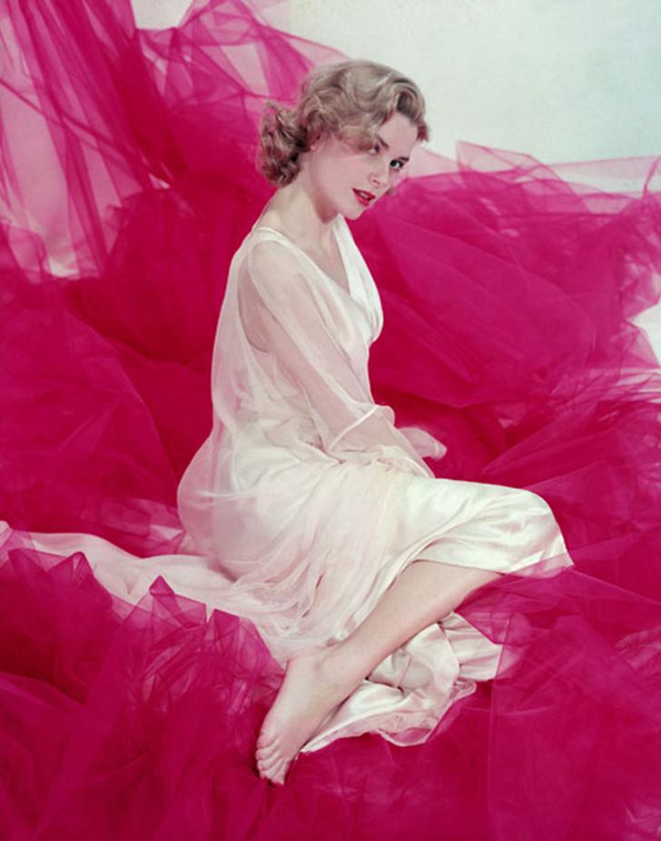 В 1951 году Грейс дебютировала в фильме «14 часов», но мировая слава ждала ее только через два года.