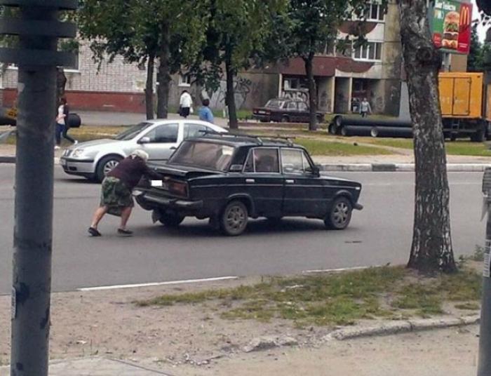 Есть женщины в русских селеньях.