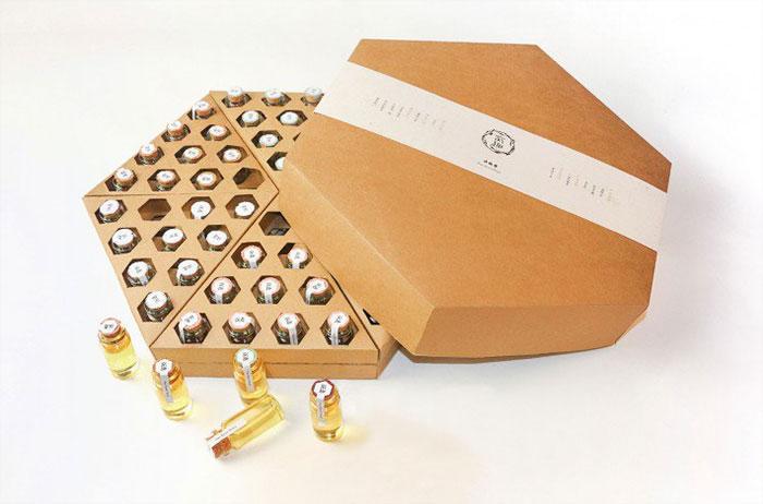 Дизайн подарочной упаковки для меда от Funny Honey.