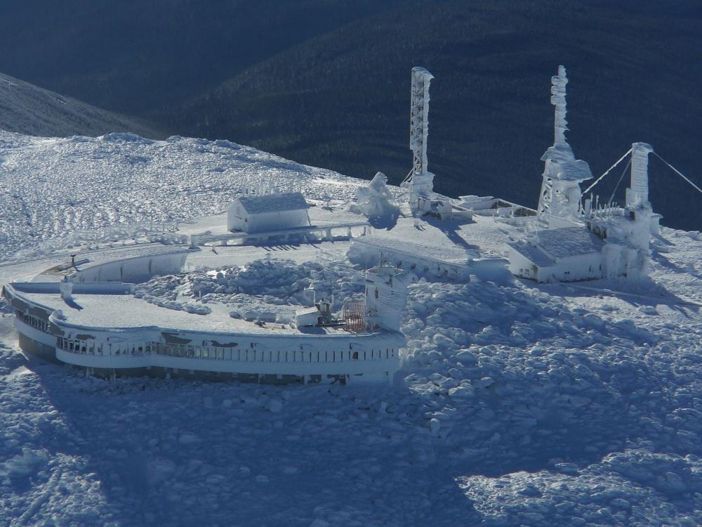 Вершина горы Вашингтон— это место, где дуют самые сильные напланете ветра. Максимальная зафиксиров
