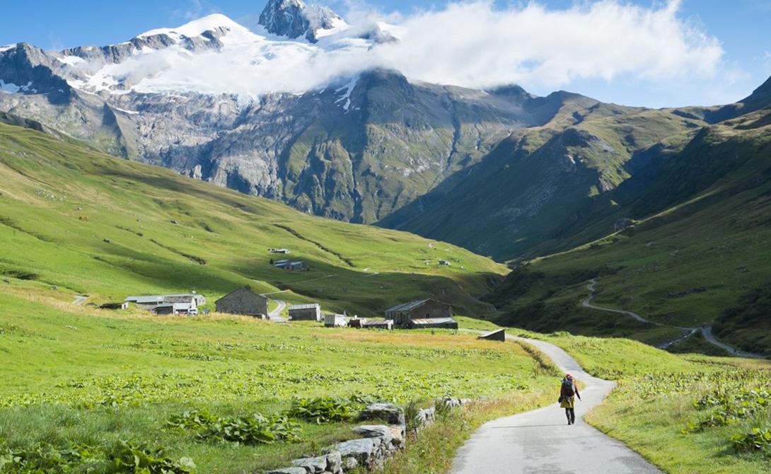 Тур дю Монблан по праву считается одной из лучших хайкерских троп в Европе. Двести километров дороги