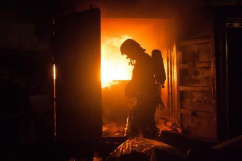 Из-за пожара вподвале насеверо-западе столицы эвакуировали 175 человек