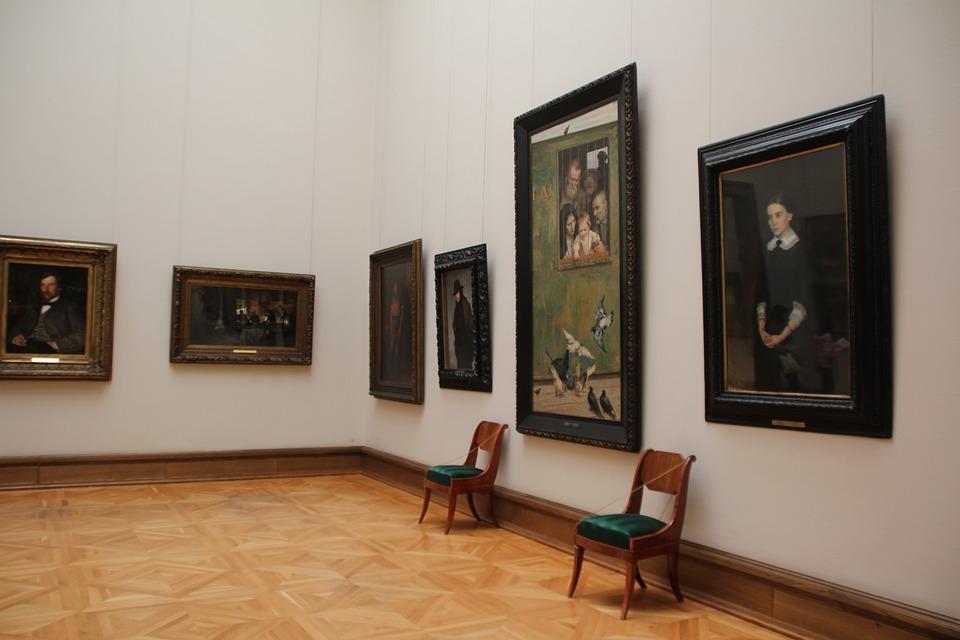 Евгений Миронов иГерман Греф откроют первую в РФ выставку тактильных картин