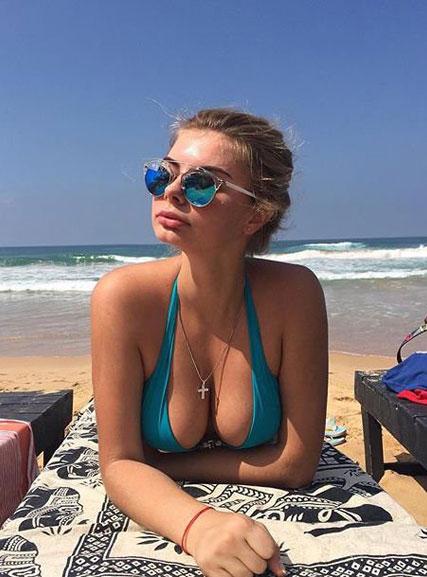 Сексуальные девушки в солнцезащитных очках / hot woman and sunglasses