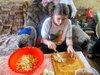 Маруся готовит