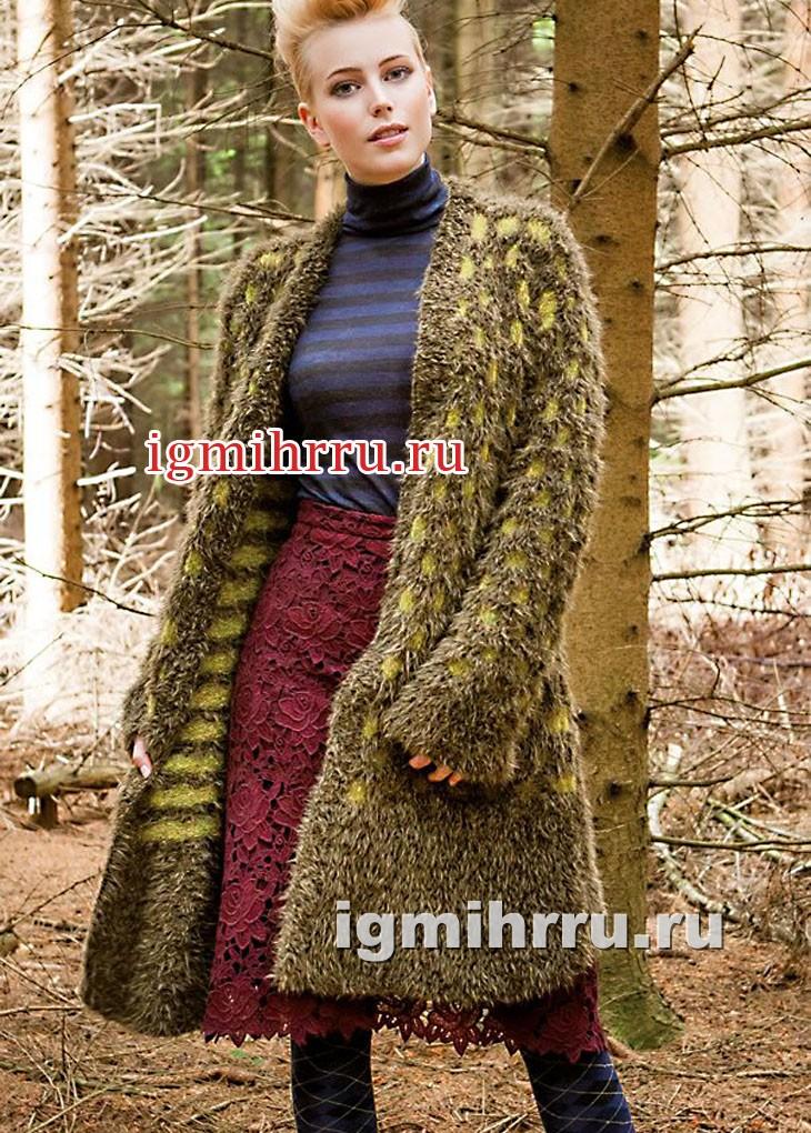 Пальто с узором из снятых петель. Вязание спицами