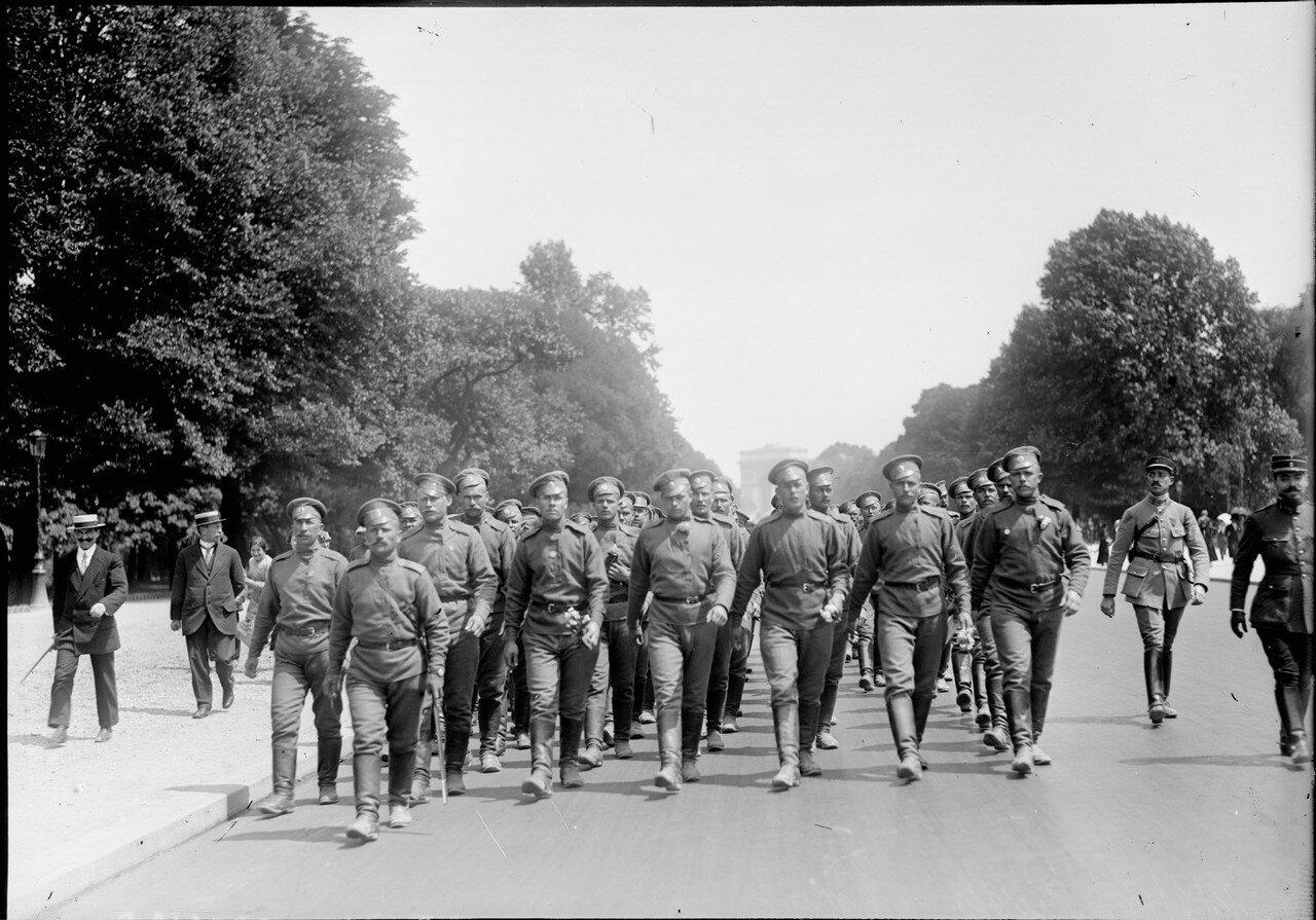 1916. 14 июля. Российский экспедиционный корпус на праздновании Дня Бастилии в Париже